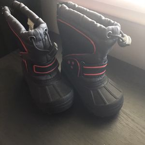 Snow Boots - Toddler Size 5 for Sale in Los Angeles, CA