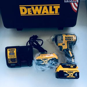 Dewalt XR 3 speed impact drill kit. for Sale in Corona, CA