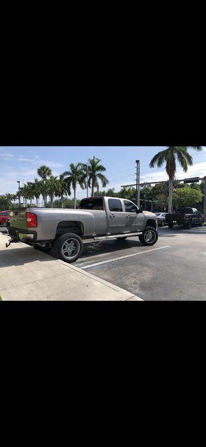 07 Chevy LTZ 3500 diesel clean title for Sale in Miami, FL