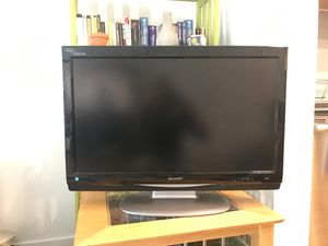 Sharp Aquos 32-inch TV, model LC-C3234U for Sale in Seattle, WA