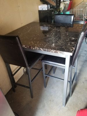 Table for Sale in City of Industry, CA