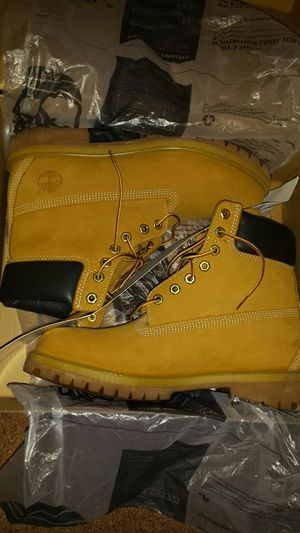 Men's Wheat Timberlands(Worn Once) Size 9 for Sale in Detroit, MI