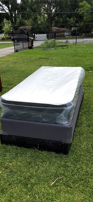 XL twin size mattress and boxspring for Sale in Houston, TX