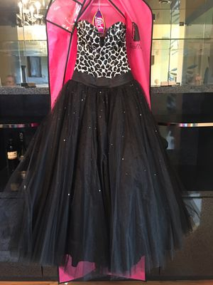 Prom dress for Sale in Oak Lawn, IL