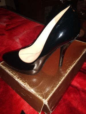 Audrey Brooke classic pointed heels. for Sale in Los Angeles, CA