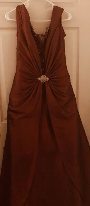 Beautiful Maroon Dress - Size 12 for Sale in Lehigh Acres, FL