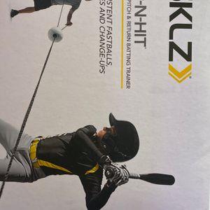 SKLZ Batting trainer for Sale in Bakersfield, CA