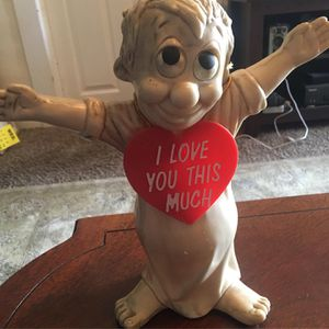 Kitschy Vintage 70s Valentines Day Statue for Sale in Pomona, CA