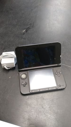 Nintendo 3DS XL with charger for Sale in Pembroke Park, FL