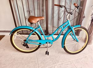 Schwinn Bike / Classic/ Blue for Sale in Miami, FL