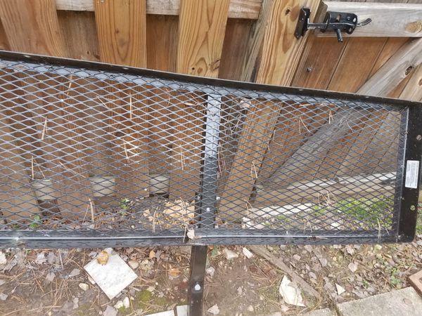 Trailer hitch gate