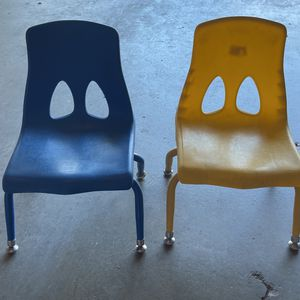 2 Lakeshore Toddler Chairs for Sale in Los Angeles, CA