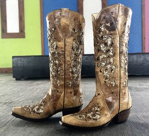 Women's boots 100% real leather for Sale in San Antonio, TX