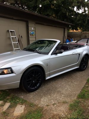 2001 mustang convertible nice clean for Sale in Renton, WA