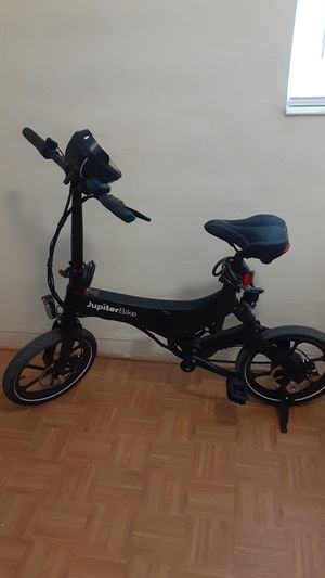 Jupiter electric folding bike BARELY USED only 6 months old for Sale in St. Petersburg, FL