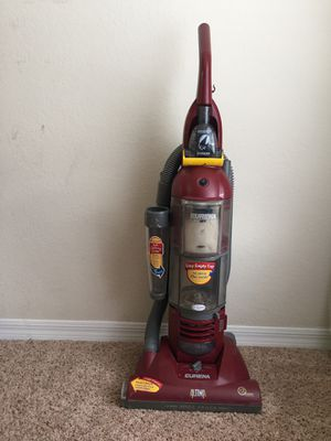 Eureka Altima HEPA upright bagless vacuum for Sale in Manassas, VA