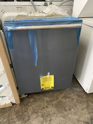 ELECTROLUX DISHWASHER STAINLESS STEEL for Sale in Santa Ana, CA