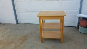 Nice,Light wood Kitchen island, $20.00 for Sale in Claremore, OK