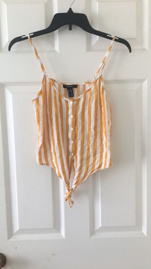 yellow and write crop top with tie for Sale in Potomac Falls, VA
