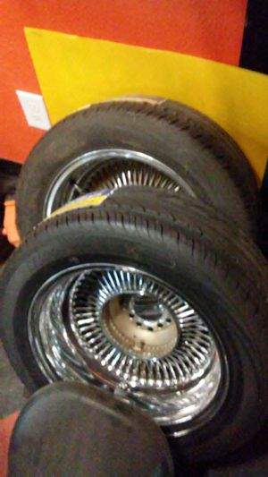 15 inch wire rims set of 4 new tires Universal for Sale in San Antonio, TX