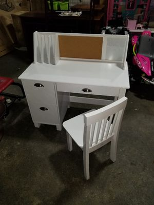 KidKraft Kids Study Desk with Chair- White for Sale in Columbus, OH