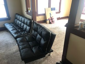 Two piece couch set (both able to layout) for Sale in Oskaloosa, IA