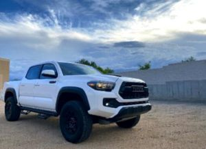 CLEAN2O17 Tacoma Pickup for Sale in Muskegon, MI