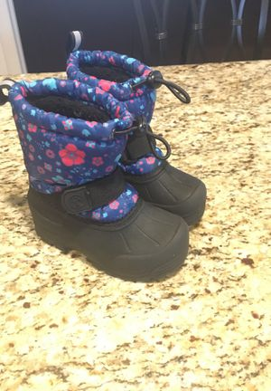 Toddler shoes and boots for Girls for Sale in Providence, RI