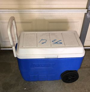 Large Coleman Rolling Ice Chest Cooler for Sale in San Jacinto, CA