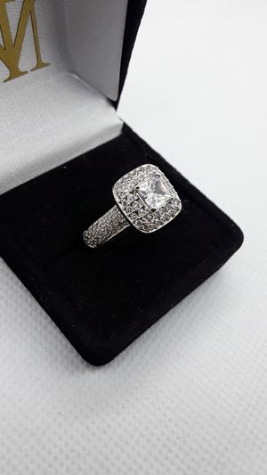 Size 7 large center stone CZ sparkly ring for Sale in Ontario, CA