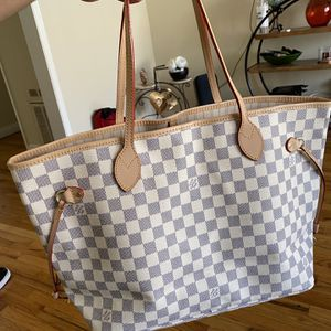 Louis Vuitton Bag - Women's for Sale in Los Angeles, CA