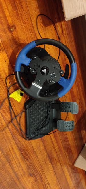 Thrustmaster t150 steering wheel for Sale in Fall River, MA