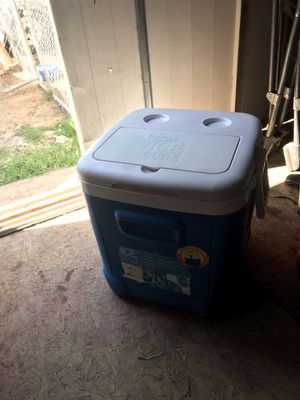 Cooler for Sale in Moreno Valley, CA