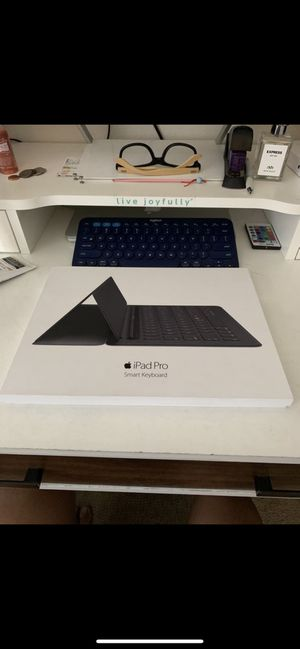 iPad Pro keyboard for Sale in Silver Spring, MD