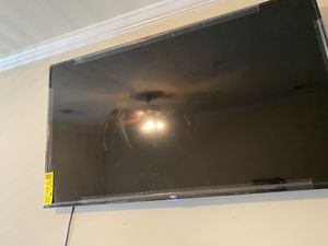 55 inch tv and wall mount for Sale in Jacksonville, NC