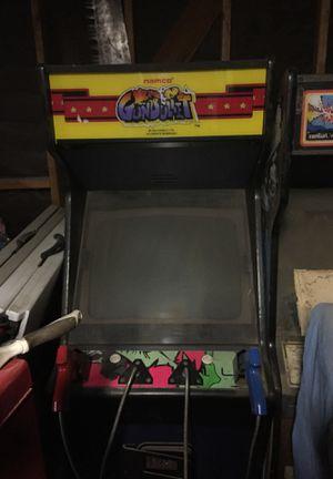 Gunbullet by Namco games arcade, duel pistol target shooting for Sale in Nuevo, CA