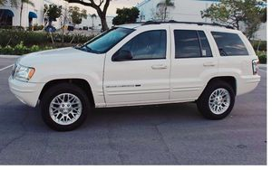 Runs Good 2004 Jeep Grand Cherokee AWDWheels for Sale in Cleveland, OH