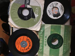 45s n 33s record lot 400 pieces for Sale in Montclair, CA