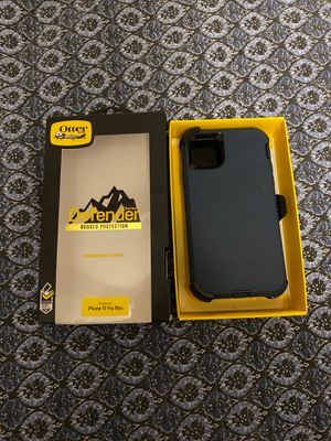 iPhone 11 Pro Max Otterbox Defender case for Sale in Lancaster, CA