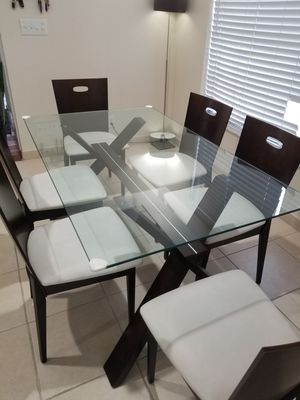 Dining room set(6 chairs) Dark brown with glass top table for Sale in Davie, FL