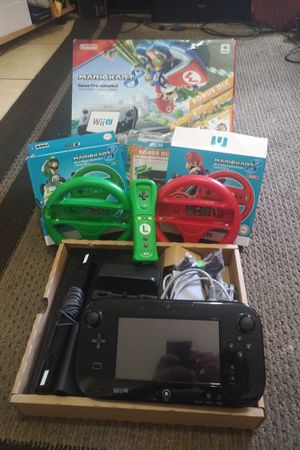Nintendo Wii-U set with accessories for Sale in Los Angeles, CA