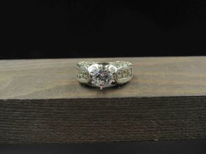 Size 7.25 Sterling Silver Rustic Fancy Cubic Zirconia Band Ring Vintage Statement Engagement Wedding Promise Anniversary Bridal Cocktail for Sale in Everett, WA