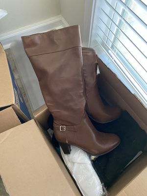 Women's size 9.5 boots for Sale in Denham Springs, LA