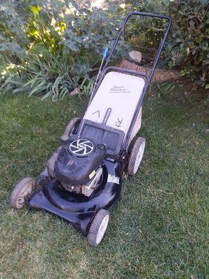 Lawn mower wirh bag runs great for Sale in Riverside, CA