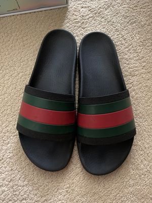 GUCCI Flip flops for Sale in Northbrook, IL