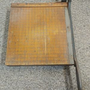 """Rare Vintage MONTGOMERY WARD & CO. No. 10, Paper Cutter/Shear 10"""" X 10"""" Table for Sale in Burlington, NC"""