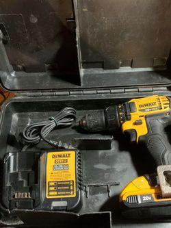 vendo taladro dewal con batería I cargador for Sale in San Jose,  CA
