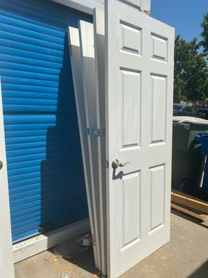 Doors with hardware. Sizes include 32, 30, 28. for Sale in Manteca, CA
