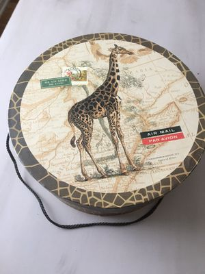 African Giraffe Theme Hat Box W/handle for Sale in Parma Heights, OH