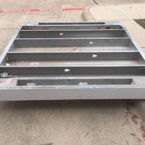 Free Metal Frame(4) for Sale in Seagoville, TX